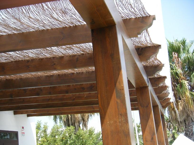 Artesonados y p rgolas de madera carpinter a maydeco - Pergolas de madera en sevilla ...